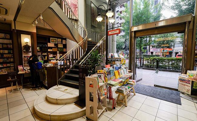 童心に返って楽しめる。絵本専門のブックカフェ『Book House Cafe』