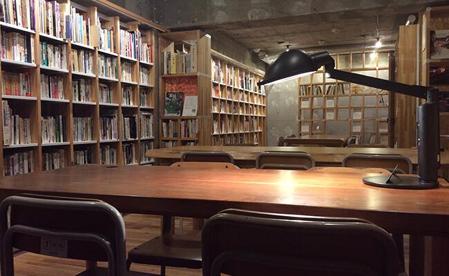 """かつての東海道・品川宿に店を構える""""旅""""と""""街道""""をテーマにした『KAIDO books & coffee』"""