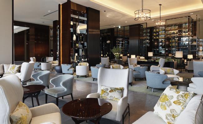 『パレスホテル東京』の1Fロビーにあるロビーラウンジ「ザ パレス ラウンジ」