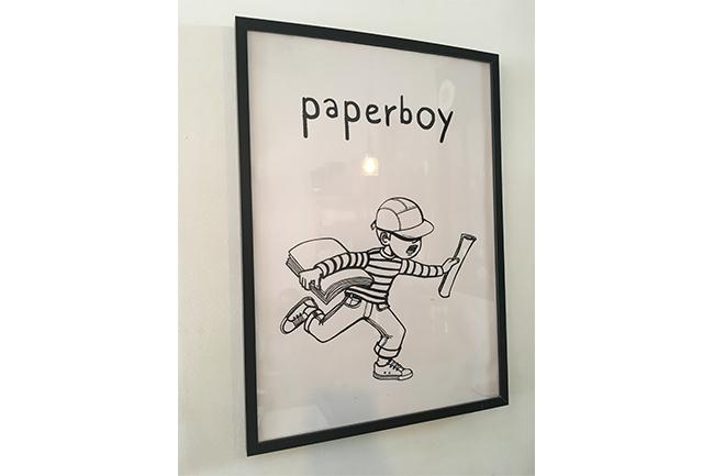 パリの『PAPERBOY(ペーパーボーイ)』のペーパーボーイ君