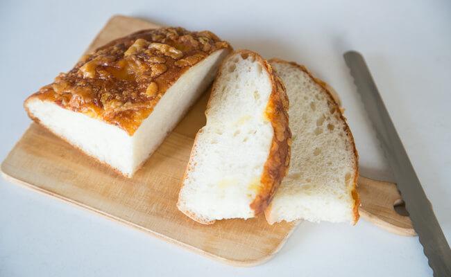 麻布十番『pointage(ポワンタージュ)』のチーズのフォカッチャ