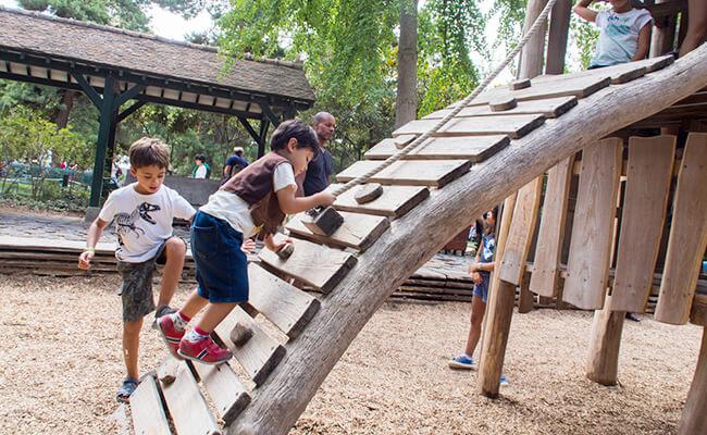 ルイ・ヴィトン美術館のすぐ近くの遊園地『アクリマタシオン庭園』