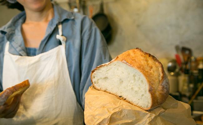 チーズパンに使うのは『シェ・リュイ』の大きなブール