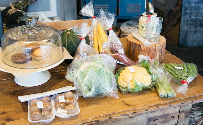 毎朝届けられる産直野菜