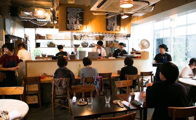 ビストロ『kiki harajuku(キキ ハラジュク)』の店内