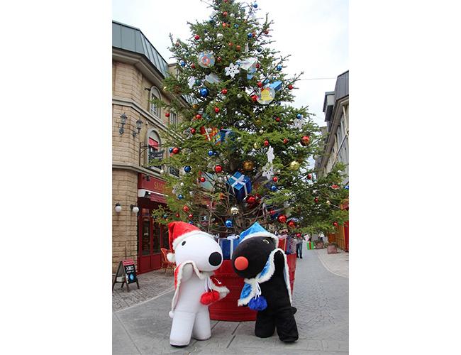 クリスマスコスチュームのリサとガスパール