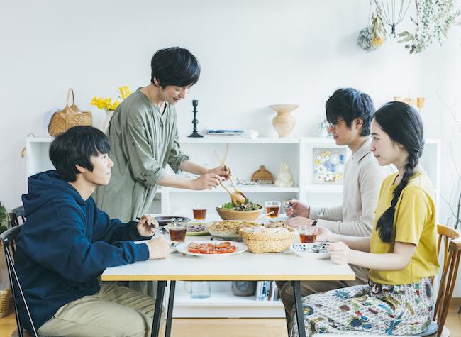 『青葉家のテーブル』