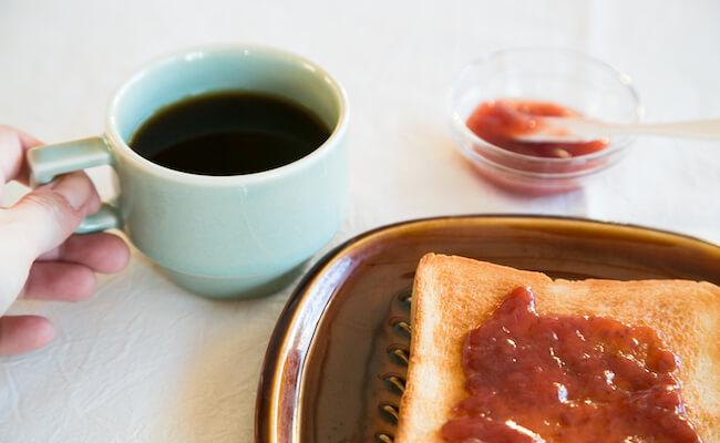 ぱんじかんのコーヒーと、ジャムトースト
