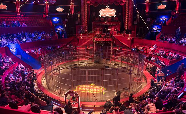 パリの名所『冬のサーカス(Cirque d'hiver シルク・ドイヴァー)』