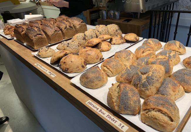 パリのパン屋『Circus Bakery』のパン