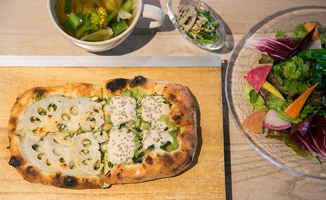代々木上原『enboca 東京』のランチのピザ