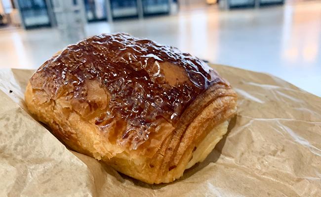 パリのパン屋『Utopie(ユトピ)』のパンオショコラ