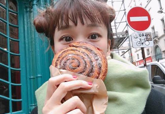 パリのパン屋『Utopie(ユトピ)』のエスカルゴと山野ゆりさん