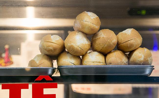 『エビスバインミーベーカリー』のパン