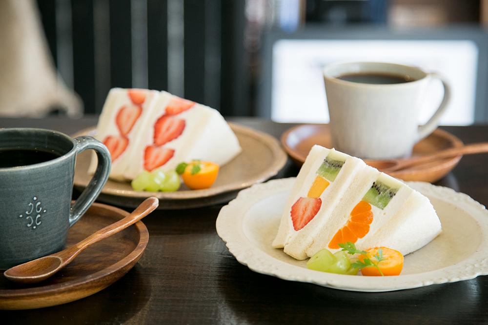 高円寺『JULES VERNE COFFEE』で出会った、自家焙煎コーヒーと萌え断すぎるフルーツサンド