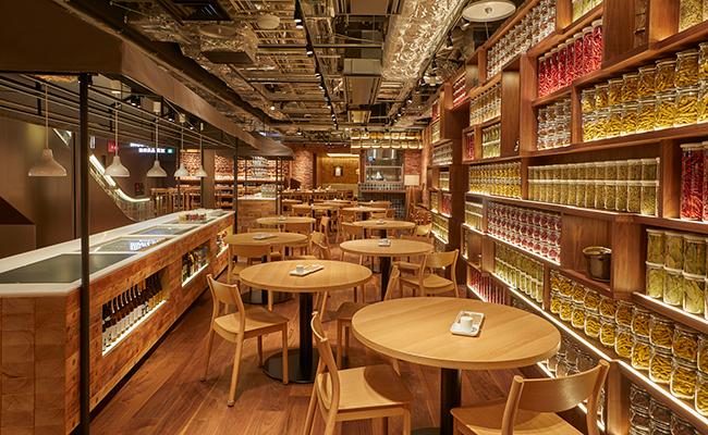 地下1階のレストラン「MUJI Diner」