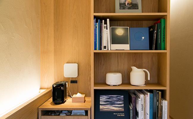 『MUJI HOTEL GINZA』の客室には無印良品の家具や家電があります