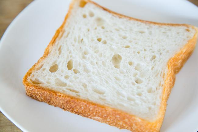 三軒茶屋のパン屋『nukumuku(ヌクムク)』の「世田谷モチモチ食パンスペシャル」の断面