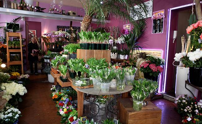 フランスの花屋に並ぶスズラン