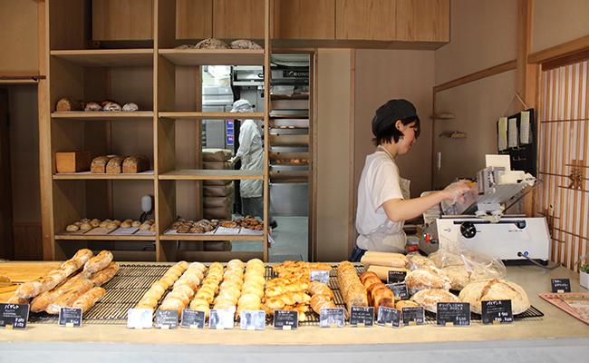 『根津のパン』の店内