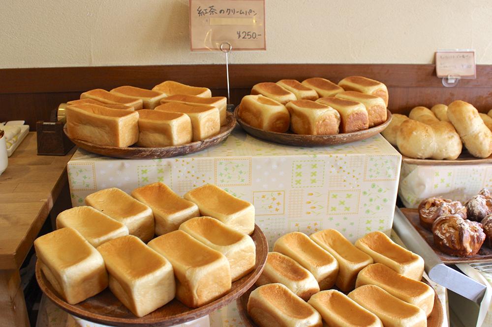 アールグレイの豊かな香りとなめらかな口どけにうっとり!北千住『SUZA bistro』の紅茶クリームパン