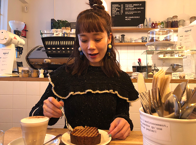 山野ゆりさんと『Café Oberkampf(カフェ・オベルカンフ)』のバナナブレッド