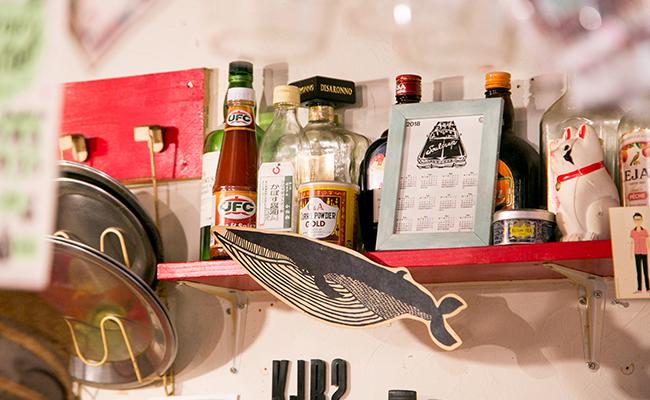 三軒茶屋『クジラ荘』の店内