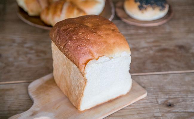 渋谷『松涛カフェ』の自家製パン「山型食パン」