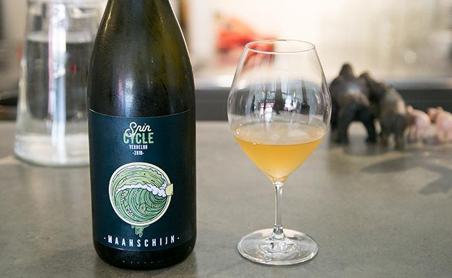 『ムーンシャイン』というワイナリーの白ワイン