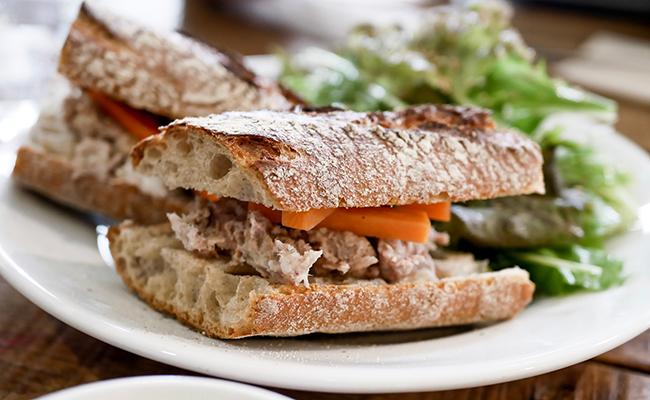 東武練馬『まさもと』のサンドイッチ