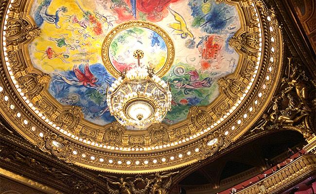 おしゃれをしてオペラ座ガルニエ宮へ!豪華絢爛な空間で楽しむ観劇