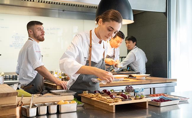 パリでは日本人シェフが大活躍!シャンゼリゼ通りの1つ星レストラン 『パージュ』