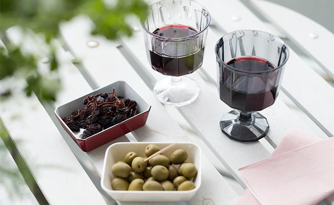 屋外での乾杯!は「KINTO」のワイングラスで