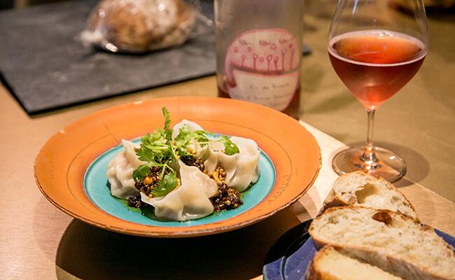 水餃子とロゼワイン
