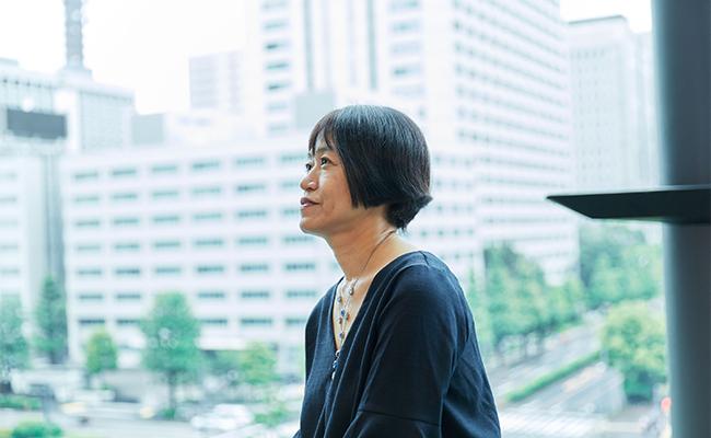 作家・恩田陸さんに聞く、『蜜蜂と遠雷』で描いた音楽の世界と才能という葛藤