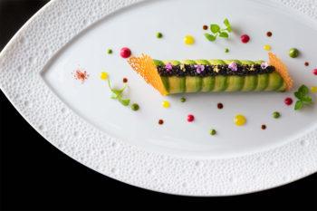 カウンターでカジュアルに楽しむ本格フランス料理『ラトリエ ドゥ ジョエル・ロブション』