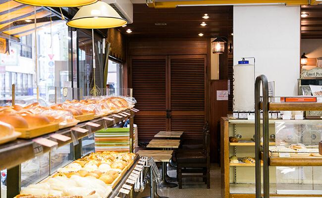 『サンドウィッチパーラー まつむら』の店内の様子