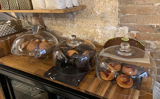 『Baguett's Café(バケットカフェ)』のマフィンや焼き菓子