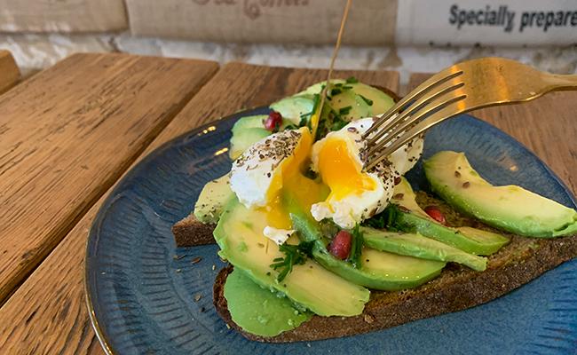 『Baguett's Café(バケットカフェ)』のアボカドトースト