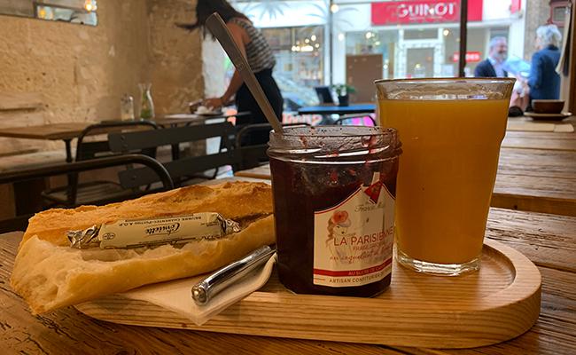 『Baguett's Café(バケットカフェ)』のバゲットタルティーヌ