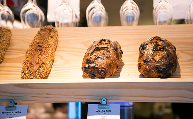 『BARTIZAN BAKERY&CAFÉ(バルティザン・ベーカリー&カフェ)』のマンスリーブレッド