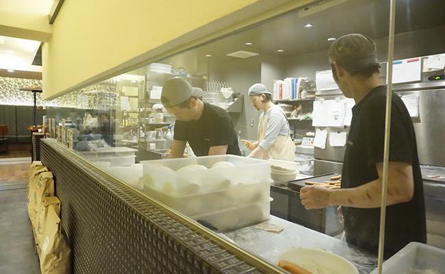 パン作りの厨房