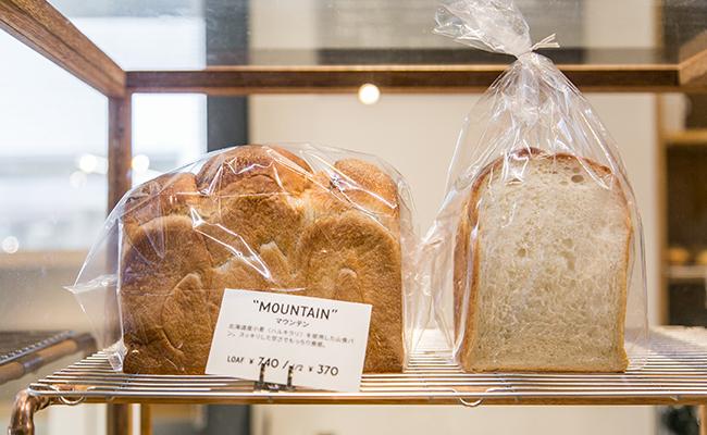 『SIDEWALK STAND YUTENJI』の食パン「MOUNTAIN」