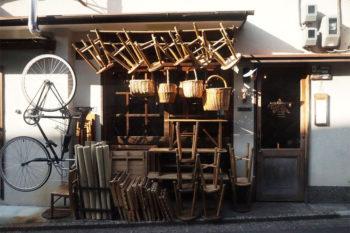 京都・鴨川の『ワイフアンドハズバンド』で出会う珈琲とアンティークと心地よい時間