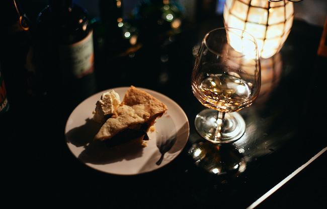 ラム酒とチェリーパイ