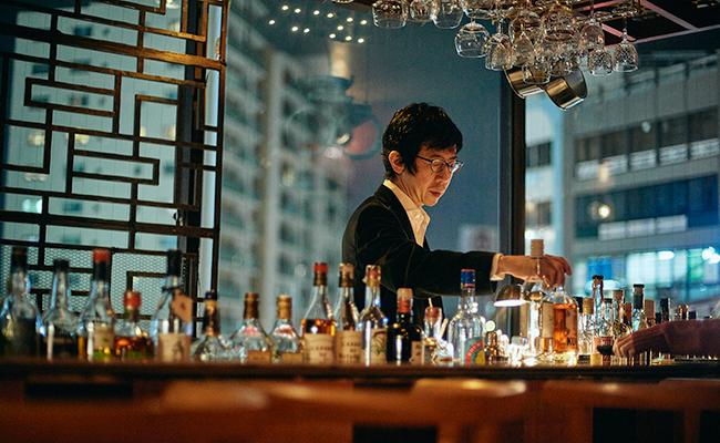 四谷三丁目『bar dress』の店主・森谷さん