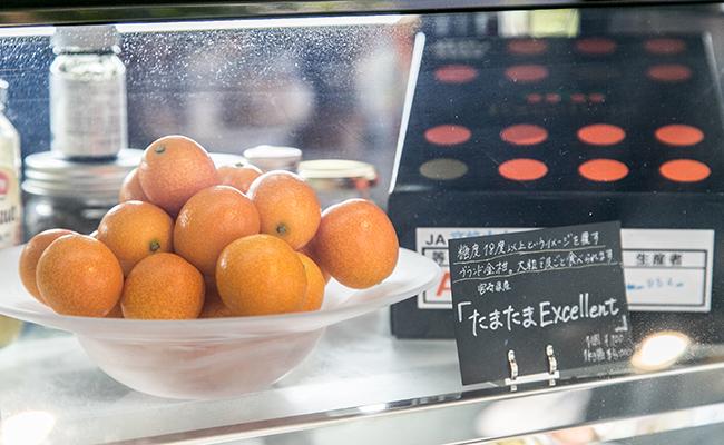 幡ヶ谷『果実店canvas』に並ぶフルーツ