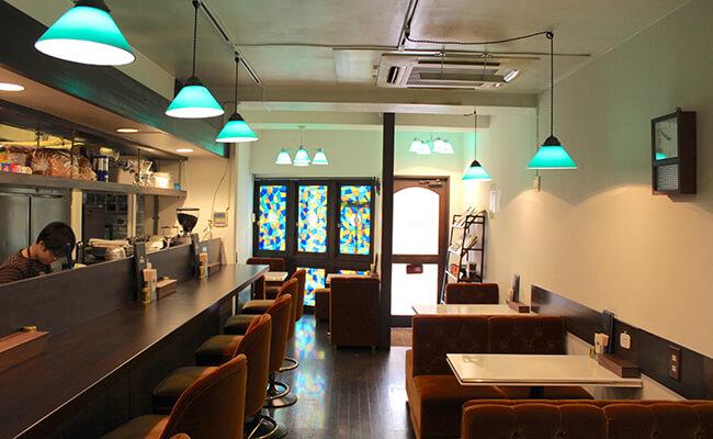 千歳船橋『喫茶パオーン』の店内