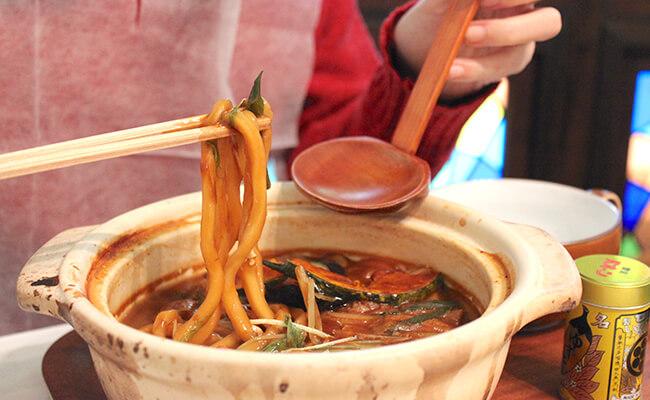 千歳船橋『喫茶パオーン』の「味噌煮込みうどん」