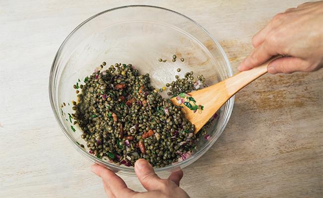 プチプチ食感が楽しい♪フランスの家庭料理「レンズ豆のサラダ」